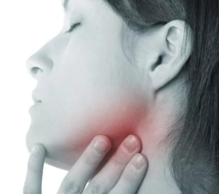 Болит нижняя челюсть причина